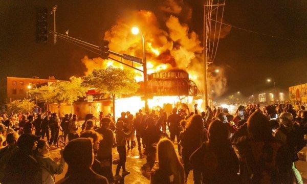 Democrazia e diritti umani: tra Minneapolis e Hong Kong, il mirabile modello statunitense