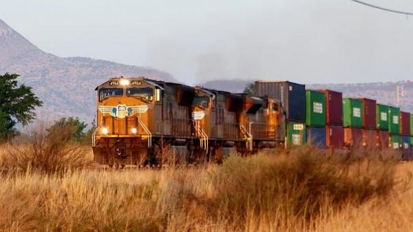L'esplosivo sviluppo del trasporto merci ferroviario euroasiatico e le sue conseguenze economiche e geopolitiche