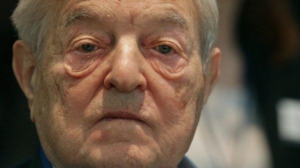Soros 'investe' 500 milioni di dollari nei rifugiati e nei migranti europei e spiega perché