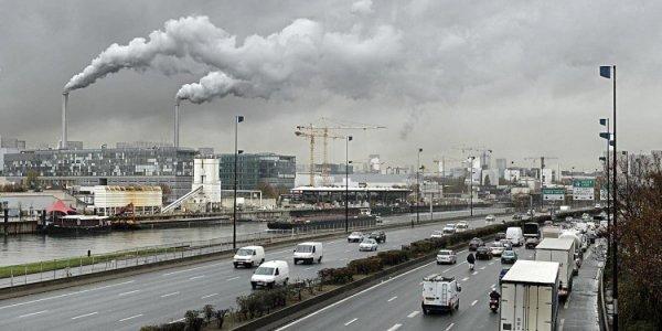 Uno studio scioccante scopre che l'inquinamento dell'aria danneggia le funzioni cerebrali, e danneggia principalmente chi abita in città