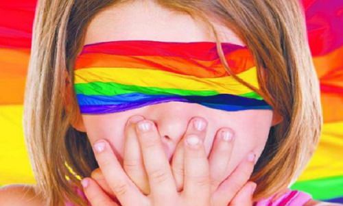 La famiglia e gli omofobi per i padroni dello Stato servile