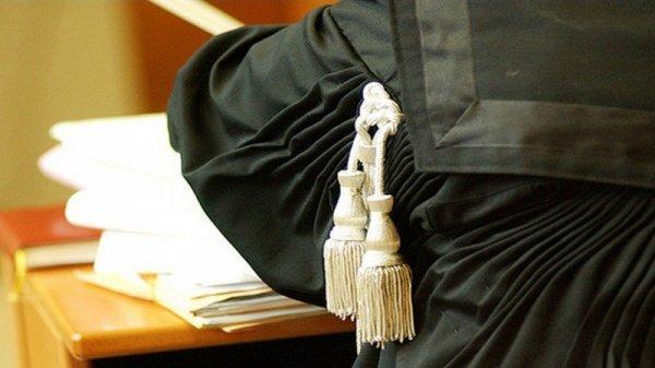 Il solito vizietto dei magistrati: usare la toga per fare politica