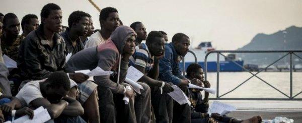 Migranti, il capitale deporta i nuovi schiavi per sostituirli al popolo europeo