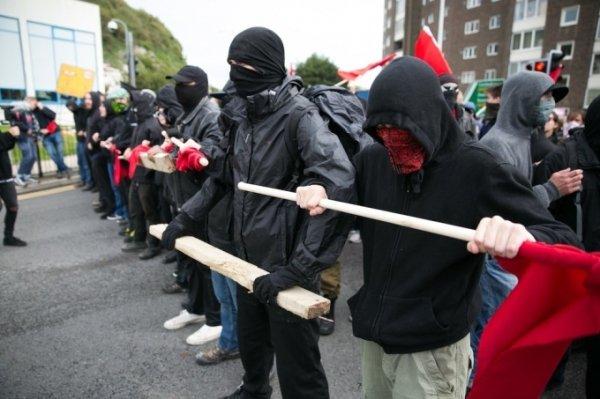 Antifa, il braccio armato del neoliberismo