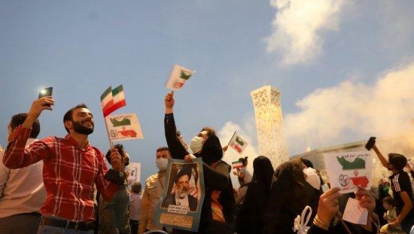 """Vince l'Iran dei """"duri"""" nel grande gioco della sfida alla Cina"""
