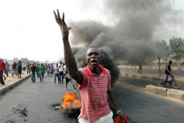 """Nigeria: un Paese devastato dalla sua """"ricchezza"""""""