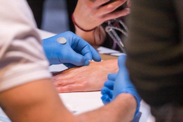 Microchip: Biohax pronta a impiantare chip sottopelle a 2500 cittadini italiani