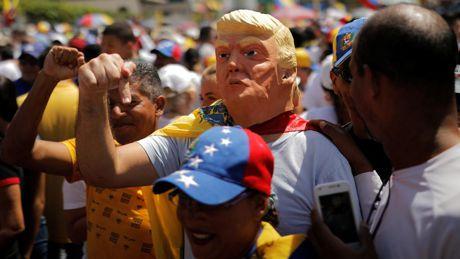 Ecco come Trump è pronto a manipolare la situazione umanitaria in Venezuela