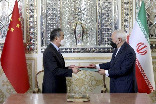 L'Iran firma una intesa strategica con la Cina per vanificare le sanzioni Usa