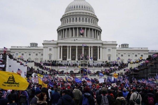 Il compiacimento delle democrazie senza demos
