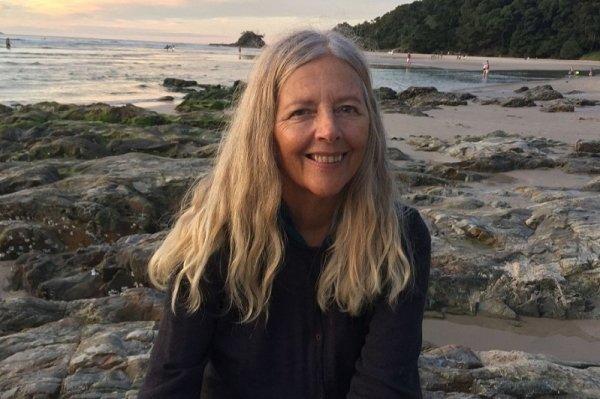 Helena Norberg-Hodge sfida la globalizzazione