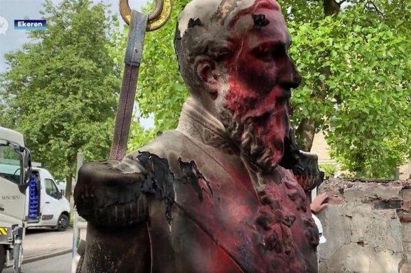 Statue abbattute e revisione storica