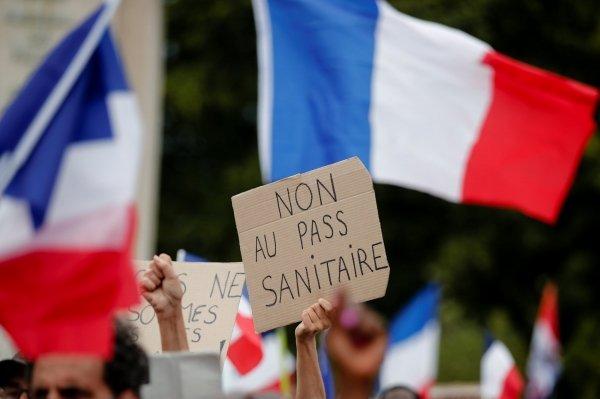 La salute vale la fine della libertà? La resistenza dei filosofi francesi all'emergenza sanitaria infinita