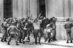 """1973-2017 : il collasso ideologico della """"sinistra"""" francese (ed europea)"""