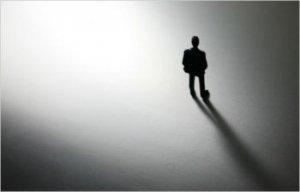 La lotta alla solitudine come tema politico: per un nuovo comunitarismo