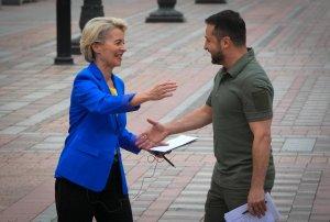 La Francia ormai è al collasso:  Macron ha fallito completamente