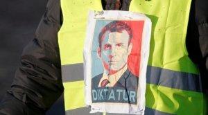 Macron (a parole) si è pentito. A quando il mea culpa dei macronisti all'italiana?