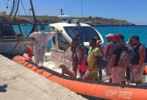 L'emergenza infinita degli sbarchi, Lampedusa al collasso, gli italiani dove sono?!