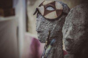 La maschera che nasconde l'Altro