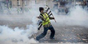"""""""Gilet gialli"""": una protesta oltre la destra e la sinistra."""