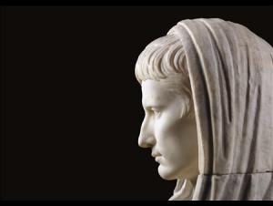 """""""Sacer"""" e """"Sanctus"""" nella tradizione giuridico-religiosa romana"""