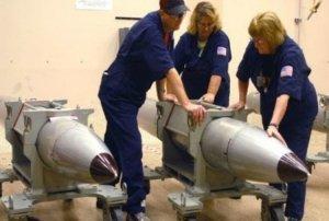Le novanta bombe atomiche nel cuore dell'Italia di cui nessuno parla. E la minaccia dei regimi