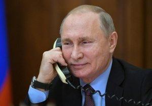 """""""Gilet gialli? È stato Putin"""": riecco il grande alibi delle élite che hanno sbagliato tutto"""