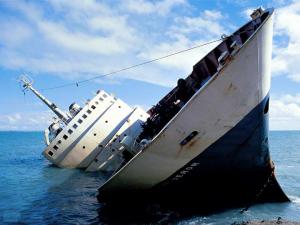 L'impero americano è una barca che fa acqua da tutte le parti