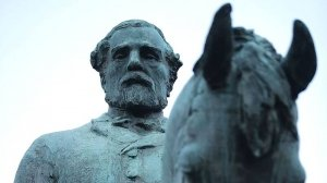 Le statue che cadono non cancellano la storia