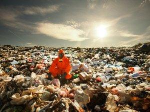 La crescita economica distrugge la salute dell'uomo e dell'ambiente