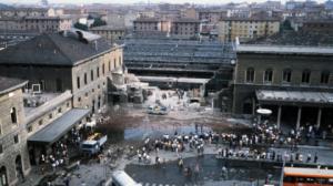 Chi sono i terrapiattisti nella strage di Bologna?