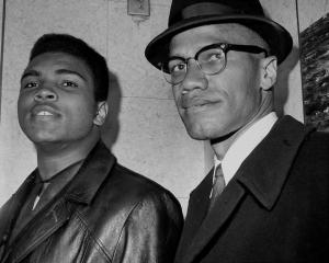 Se ne è andato Muhammad Alì, un rivoluzionario tra Malcolm X e Reagan