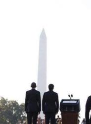 """""""Idillio"""" di Renzi con Obama: Barack chiederà a Matteo la """"prova d'amore? La firma del TTIP"""