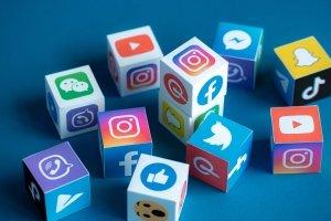 Fuori dai social non c'è più vita mediatica