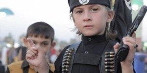 Isis: il gran ballo in maschera della modernità globale