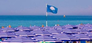 Quanto sono blu i mari italiani?