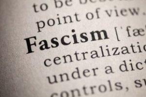 La guerra alle ombre del passato e la lotta contro il pensiero unico