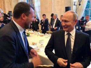"""I misteri del Russiagate italiano e le inchieste fatte per incastrare i """"nemici"""""""