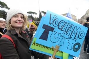 La sinistra di oggi chiede solo diritti per il singolo: che fine ha fatto la lotta sociale?