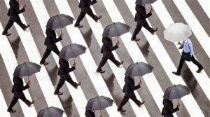 Sette crisi e il coraggio di essere a-sociali