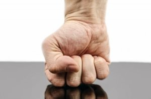 Che cosa ci dice la rabbia quando scuote le democrazie