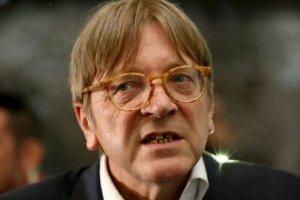 Gli euro-burocrati attaccano il premier Conte e l'Italia