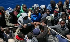 Il papa e Galantino celebrano a modo loro la Giornata Mondiale del Migrante e del Rifugiato