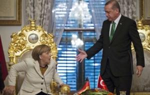Come le centrali della NATO controllano la politica dell'UE sui rifugiati
